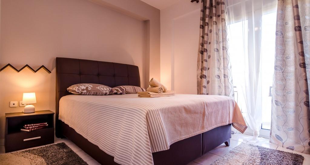 Hotel Orestiada Grey Apartment Bedroom
